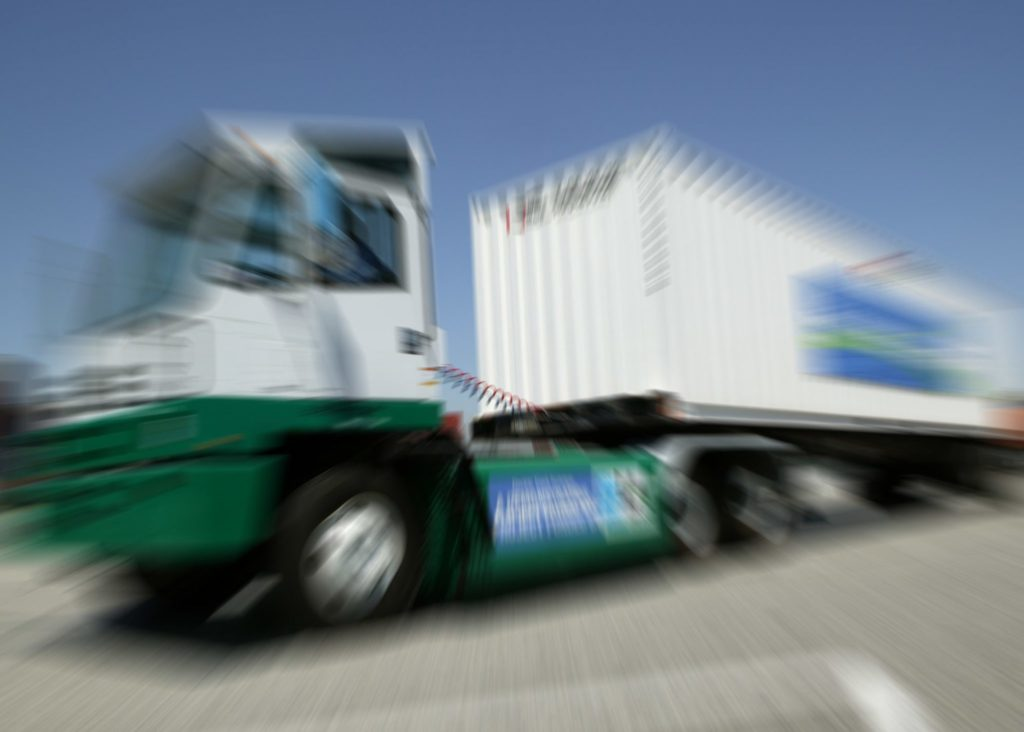 port-truck-strike.jpg