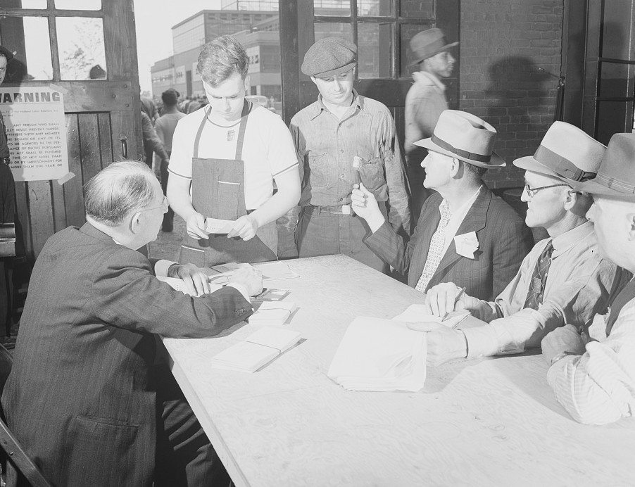 Union election at Ford, 1941. (Library of Congress)