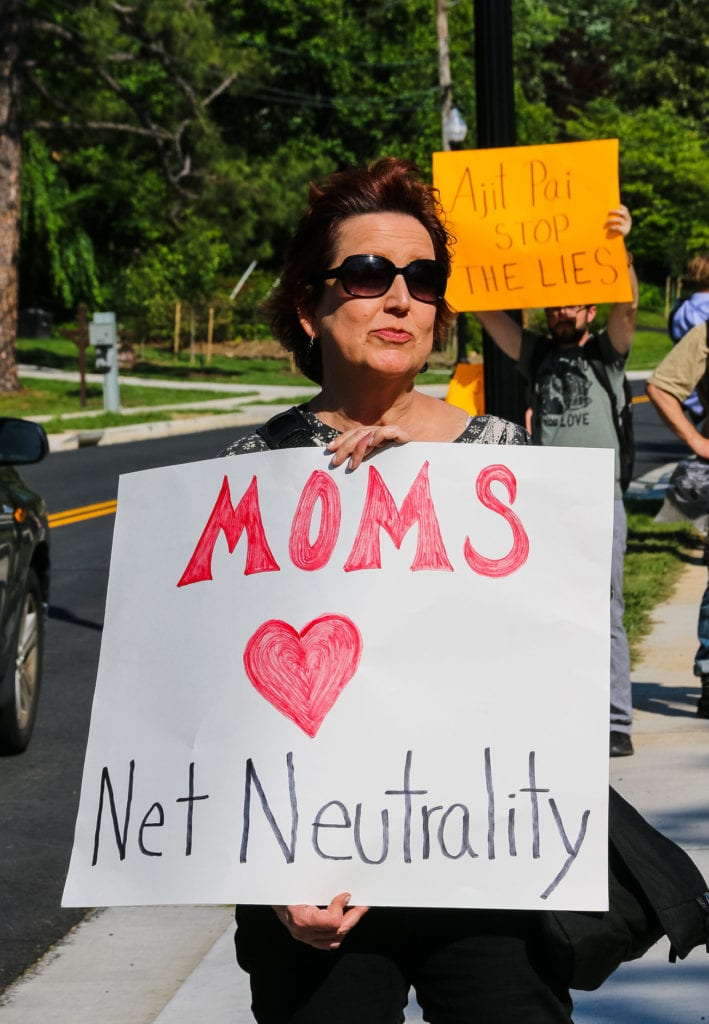 Protestors hold a vigil for net neutrality outside the Virginia home of FCC Chairman Ajit Pai in May, 2017. (Photo: Anne Meador/Cool Revolution)